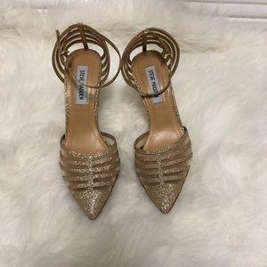 Gold Heels 🔥